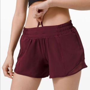 """Lululemon Hotty Hot LR Shorts 4"""""""